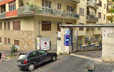 Autorimessa Garage Giovagnoli - Städteparken Rom