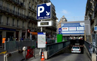 SAEMES Lagrange Maubert - Städteparken Paris